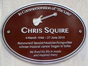 Chris_Squire_Brown_Plaque_with_Rickenbacker_4001_bass_guitar_motif
